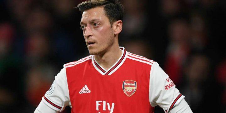 Mesut Ozil sẵn sang giảm lương để chia tay Arsenal